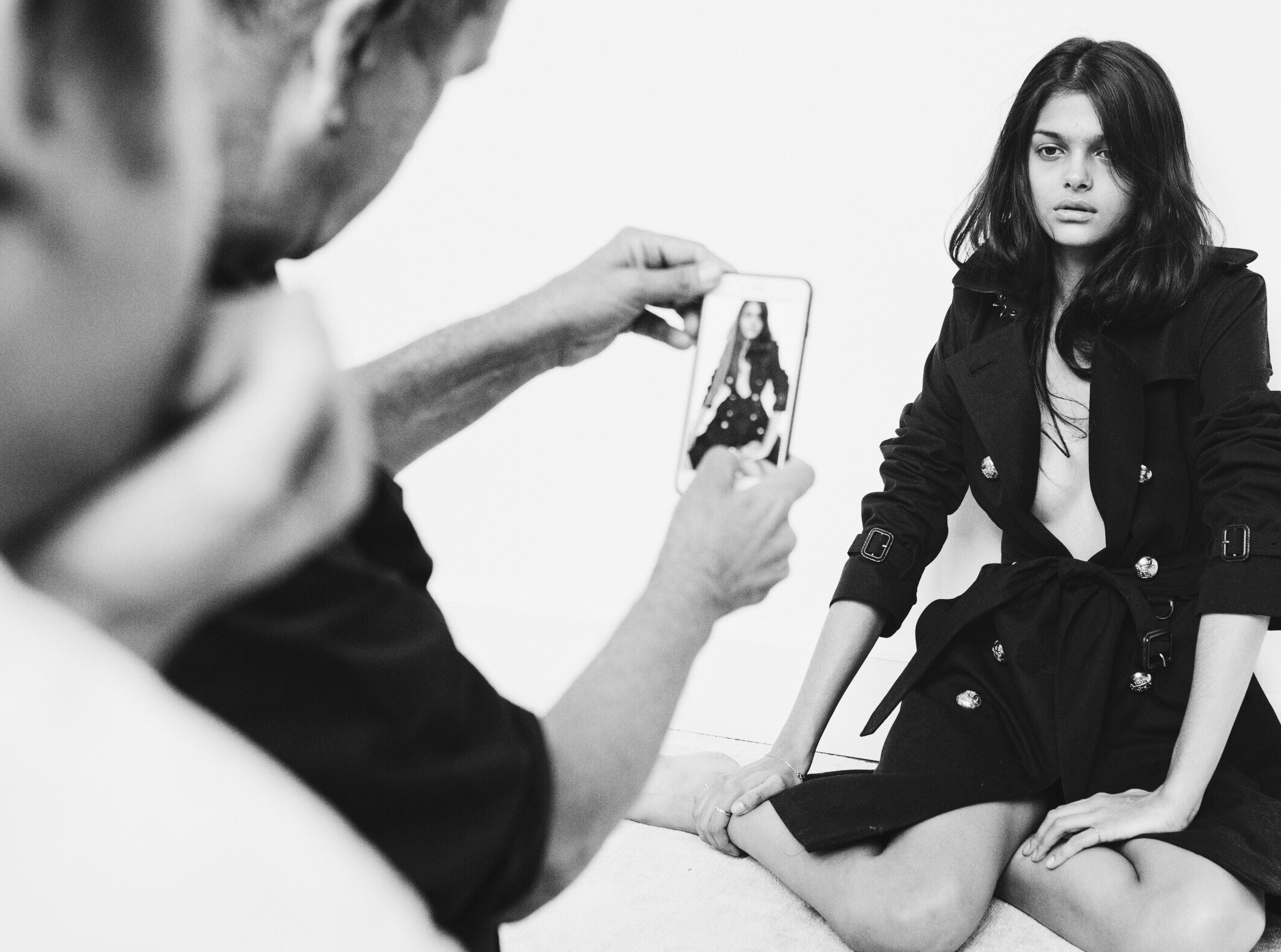 Burberry-creates-live-Snapchat-Campaign